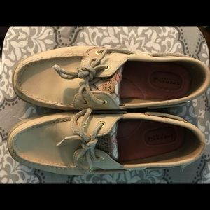 Sperry moccasins cream & Pink 8M NWOT